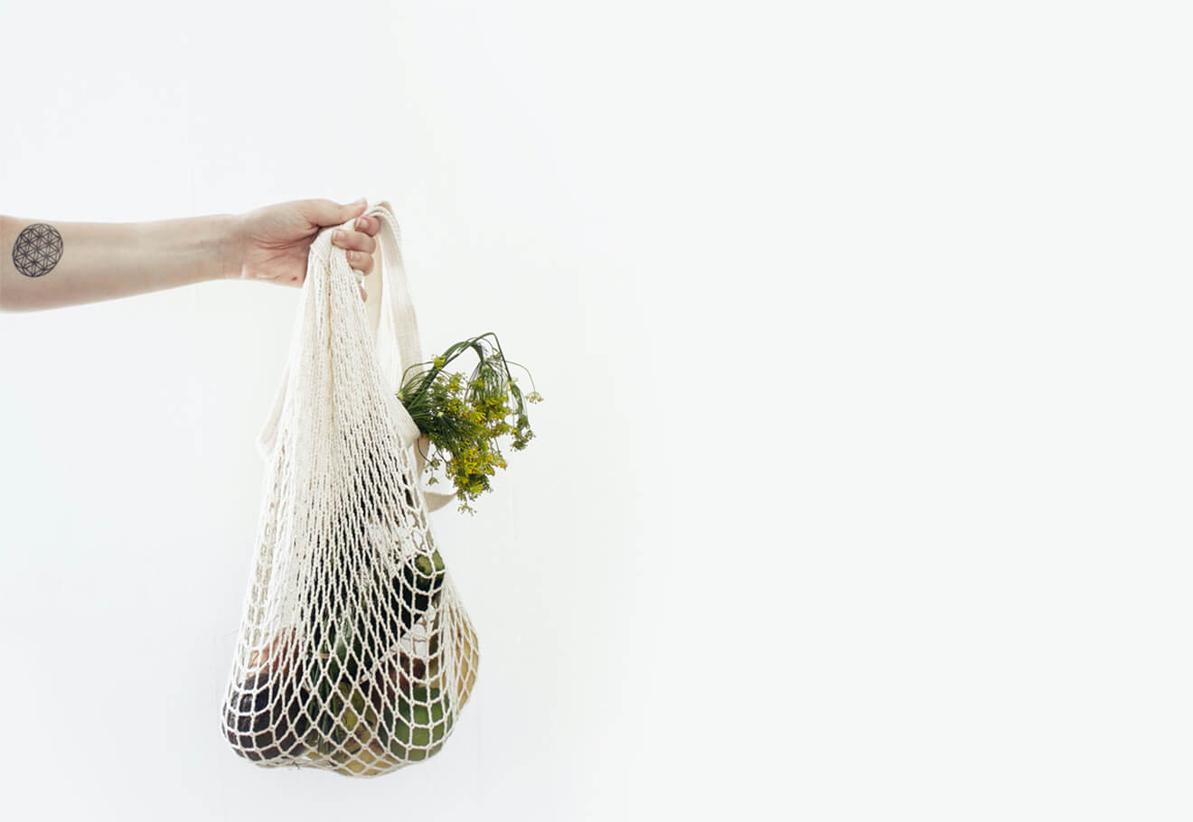 Reusable grocery bag with plastic-free items